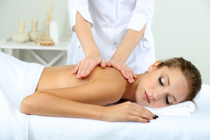 Общий массаж проводится квалифицированными специалистами